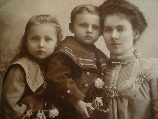 Pilecki z Mamą Ludwiką i siostrą Marią