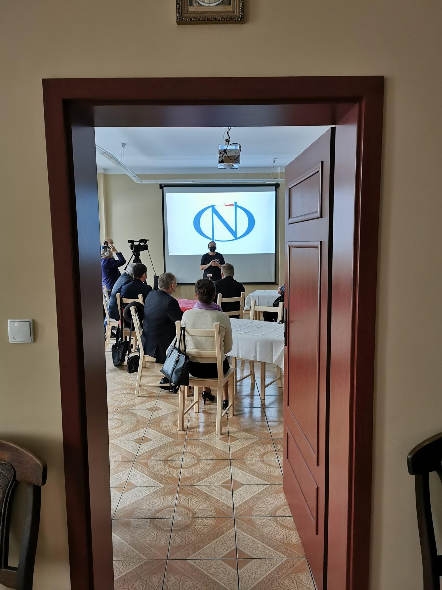 Oficjalne otwarcie biura z gośćmi mediami