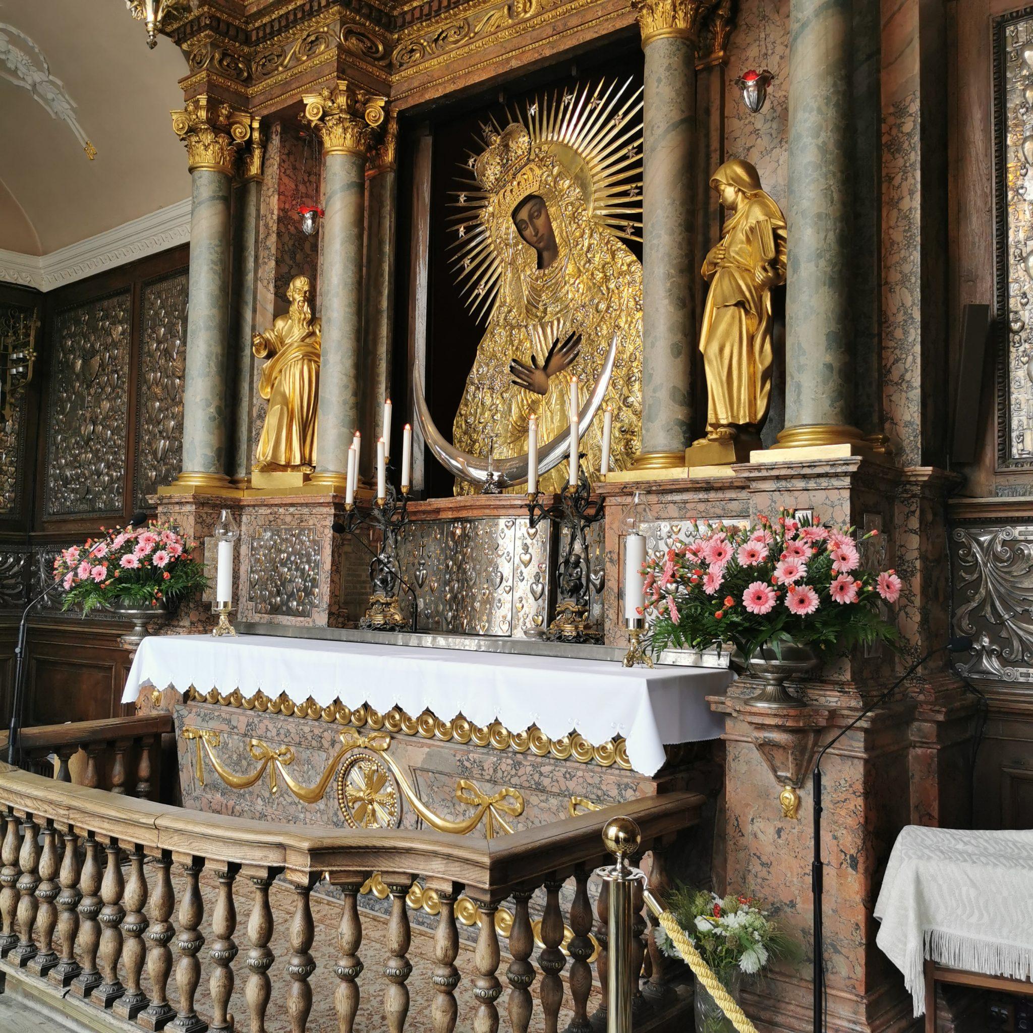 Obowiążkowe odwiedziny w Kaplicy Matki Boskiej Ostrobramskiej